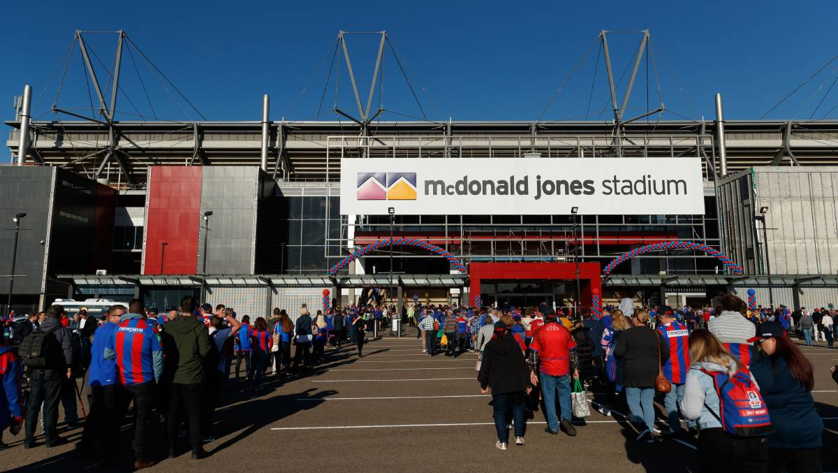McDonald Jones Stadium undergoing 'full clean' after COVID-19 case attends Newcastle Jets game
