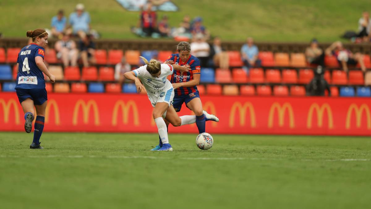 W-League: Davis keen to make move for Jets midfield role